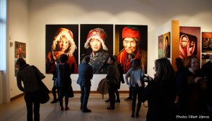 2016.02.24.-Steve-McCurry-kiállításán-01