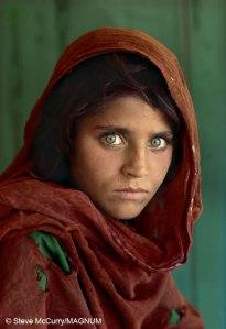 Steve-McCurry_Afgán-lány