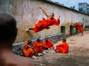 Steve-McCurry_Shaolin-Monastery-in-Henan-China-01