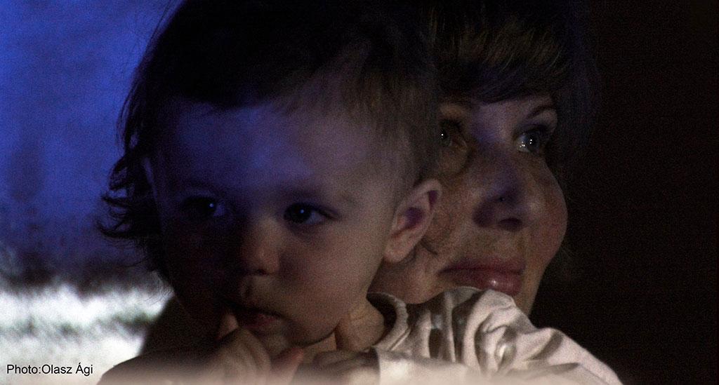 2016.03.19.-Borsihalmi-Művésztelep-Kozma-Anita-gyermekével_Olasz-Ági-felvétele