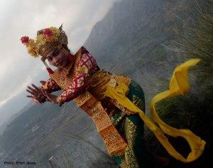 2016.07.07.-Bali-Kinta-Mani-hegy-Legong-táncosnő