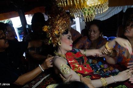 Fogreszelés ceremónia Balin