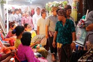 2016.07.15.-Balinéz-esküvő-Érkeznek-a-vendégek