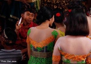 2016.07.15.-Balinéz-esküvő-Kisfiú-és-a-koszorúslányok