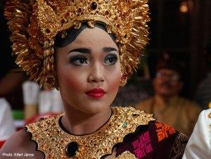 2016.07.15.-Balinéz-esküvő-Menyasszony-szertartás-előtt