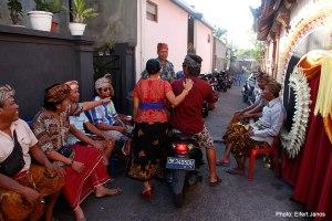 2016.07.15.-Balinéz-esküvő-Vendégek-érkeznek