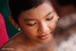2016.07.15.-Balinéz-esküvő-Wayan-kislánya-01