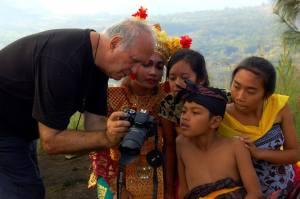 Eifert gyerekekkel, a Kintamani-Batur Vulkánnál_Dezséry Dorottya felvétele